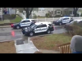 Полиция Бостона поздравила ребенка с днем рождения.