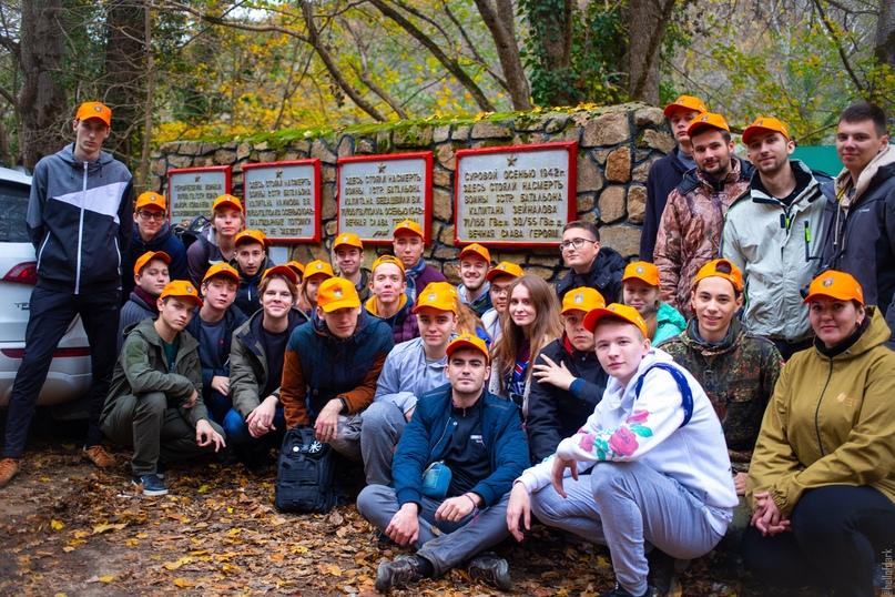 Добровольцы КубГТУ привели в порядок сразу несколько памятников защитникам Кавказа, изображение №11