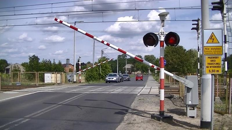 Spoorwegovergang Spławie (PL) Railroad crossing Przejazd kolejowy