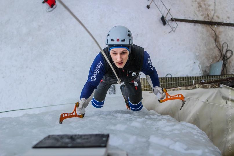 Главные отечественные ледолазные старты сезона финишировали в городе Кирове в минувшие выходные – чемпионат и первенство России по альпинизму. Всем было что доказывать и что терять…, изображение №60