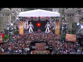 Великолепный Флешмоб на выступлении группы Black Eyed Peas