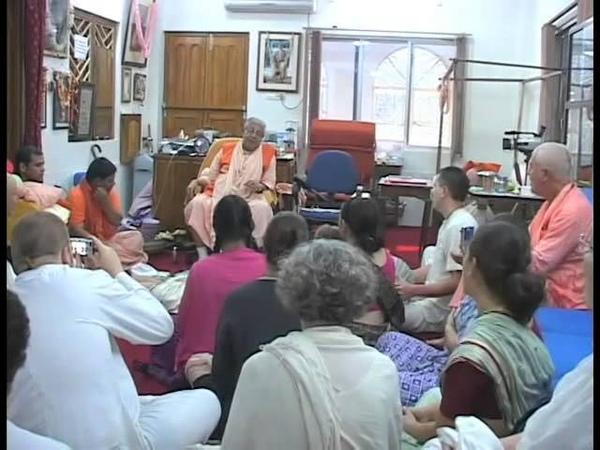 Srila Bhakti Sundar Govinda Maharaj La iniciación en el Mahamantra Hare Krishna