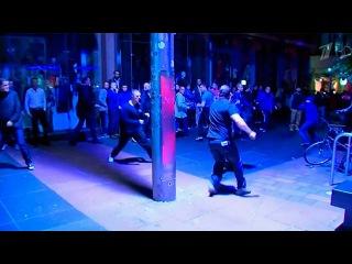 Столкновения между сторонниками противниками независимости в Шотландии пришлось разгонять полиции - Первый канал