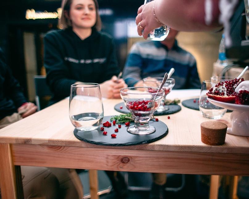 Подготовка авторских напитков в рамках соревнований «Кофейный миксолог»