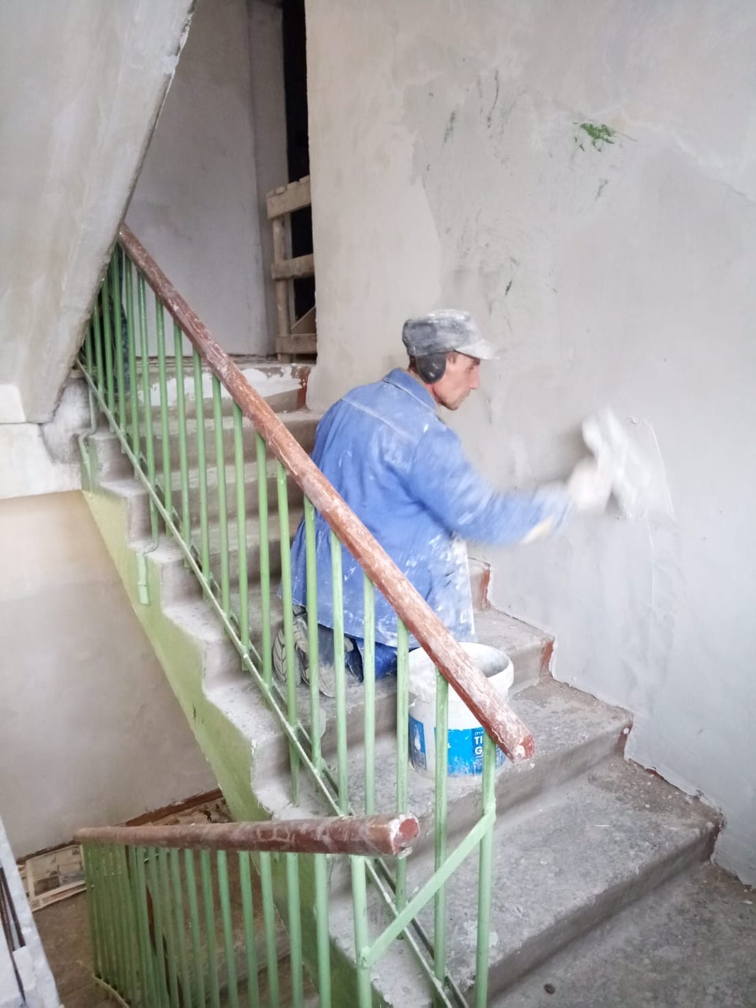 Подготовительные работы к декоративному ремонту 2 подъезда
