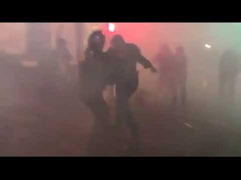 Париж в огне погромы поджоги битвы с полицией