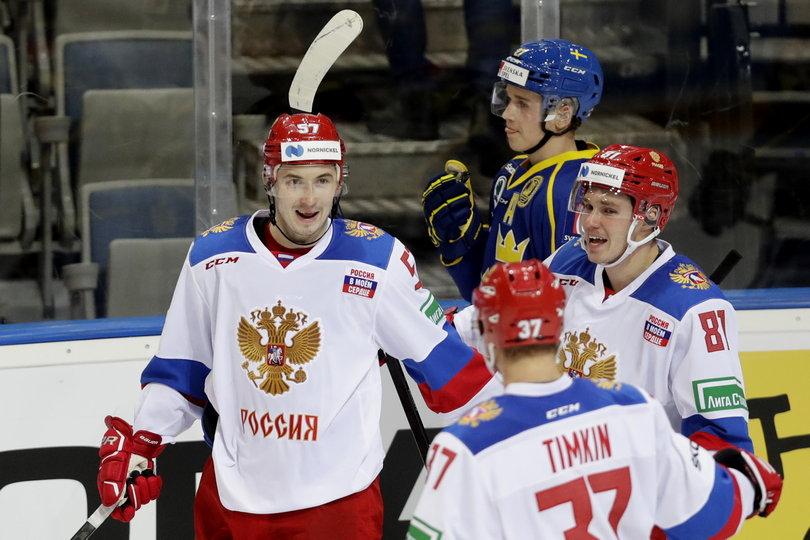 Дубли Бурдасова и Каменева принесли России победу над Швецией на Чешских играх (Видео)