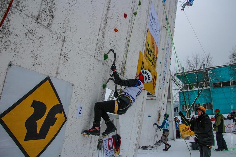 Главные отечественные ледолазные старты сезона финишировали в городе Кирове в минувшие выходные – чемпионат и первенство России по альпинизму. Всем было что доказывать и что терять…, изображение №21
