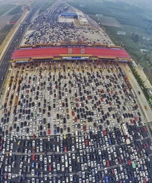 14 августа 2010 года на подъезде к Пекину образовалась большая пробка