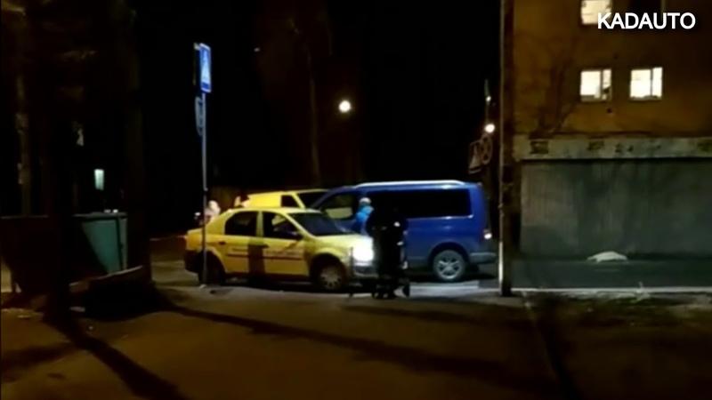 Обычный вечер в Балтрайоне Перекресток ул Павлика Морозова и Минусинской в Калининграде