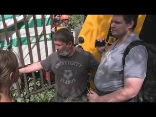 Застройщик напал на активистов: Перово против реновации