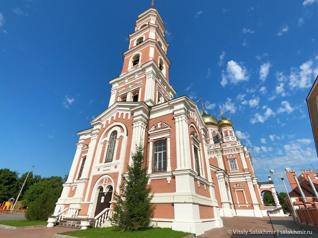 Колокольня, Свято-Троицкий собор в Саратове 2020