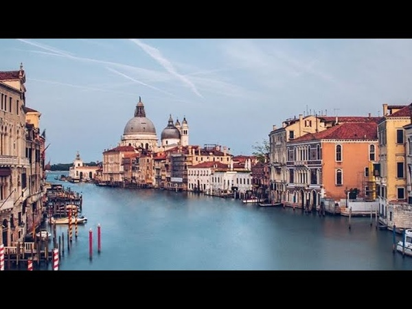 VENICE CANALS CAGLIARI ITALY UNUSUALLY CLEAN CLEAR ENOUGH TO SEE DOLPHINS AND FISH ITALIA
