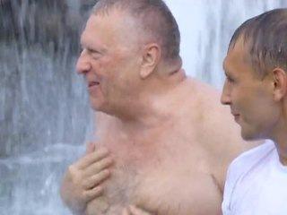 Жириновский искупался в фонтане на Манежной (2014)