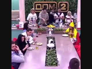 Захар Саленко Иосиф Оганесян Саша черно чуть не подрались из-за еды