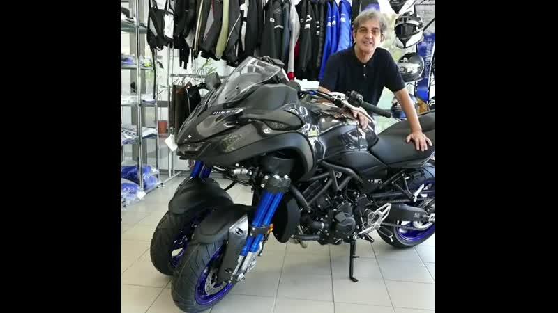 Yamaha Niken este prima motocicletă de serie cu 3 roți Ați testat o sau nu poate vreți să vedeți cum arată pregătirea de livr