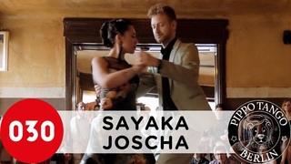 Sayaka Higuchi and Joscha Engel  A media luz