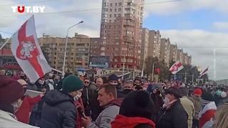 Журналистам СТВ скандируют - Позор! Минск Беларусь