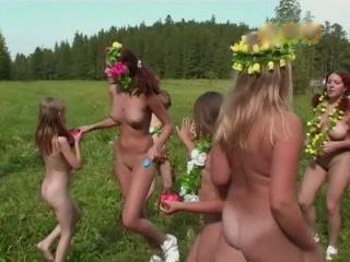 Naturist freedom-wood fairies ( czech republic ) нудисты