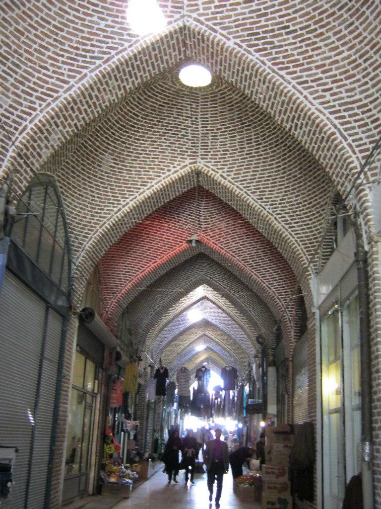 Старинный базар в иранском Азербайджане