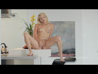 076 - Teagan Summers - Clit Action