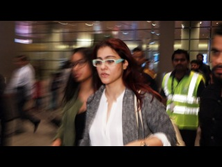 Kajol With Daughter Nysa Devgn SPOTTED At Mumbai Airport