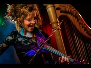 Призрак оперы - американская скрипачка, тенцовщица. композитор и сценический артист  Lindsey Stirling