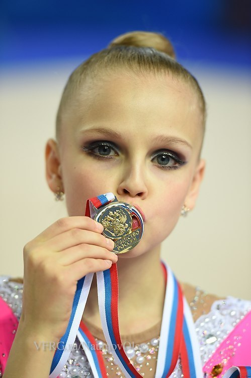 макияж для гимнастки фото очень важный вопрос