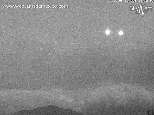 Luces vistas en la cámara del Volcán Popocatépetl 19 de junio 2016 00 08 am