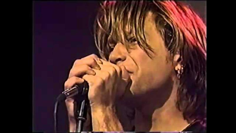 Bon Jovi Bed Of Roses cama de rosas live 1992