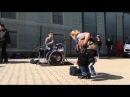 Уличный барабанщик-виртуоз на одесской Юморине