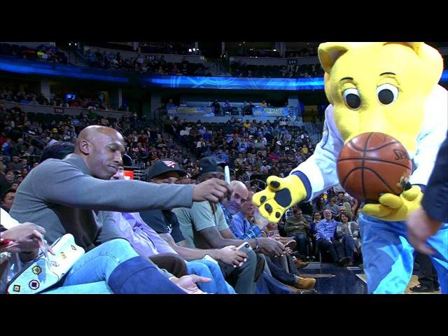 Chauncey Billups Signs Ball Rocky Kicks it to Fan NBANews NBA