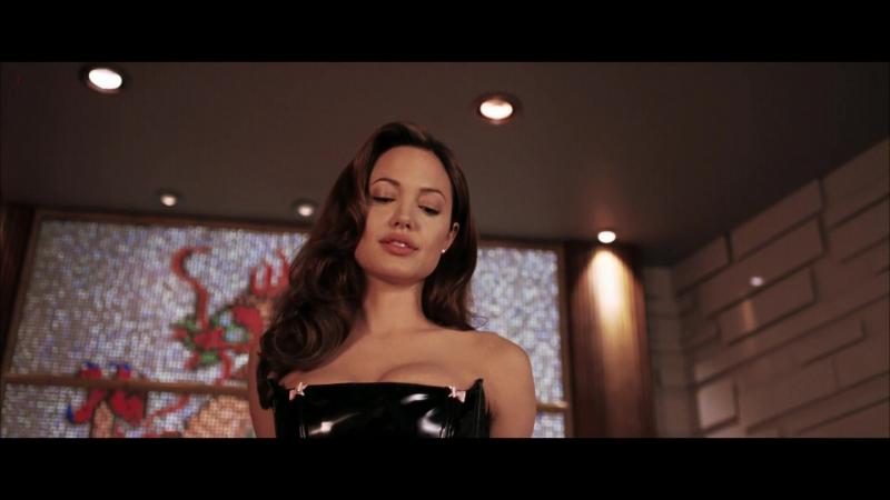 Анджелина Джоли ( Angelina Jolie hot sex scenes in Mr. Mrs. Smith