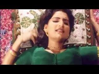 Beautiful Aunty Romance In Midnight Bedroom Uncut 18+ Telugu Hot Glamour Spicy Scenes HD