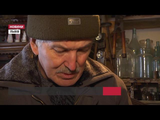 Мешканець Золочівщини відкрив вдома музей знайдених артефактів