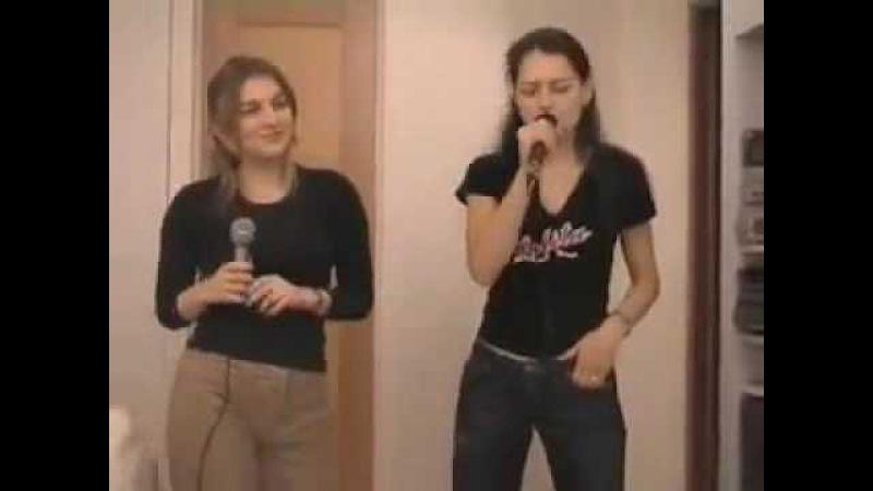 Kostenuk and Skripchenko are singing karaoke