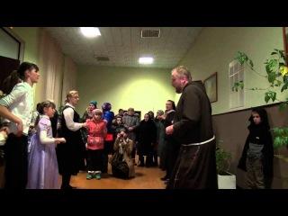 Веселые танцы католических священников в Беларуси ч.2