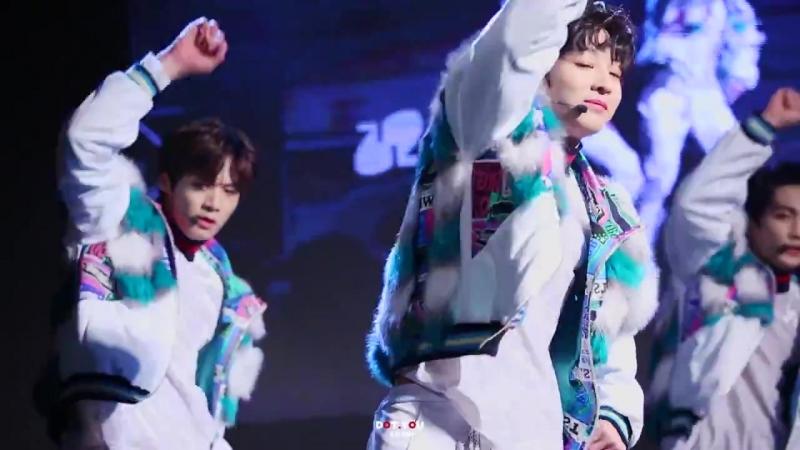 180302 TRCNG K-POPCON H.O.T - 빛 Jisung focus
