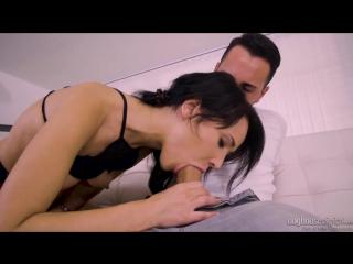 Порно видео с Isabelle Ryan (Изабелль Риан)
