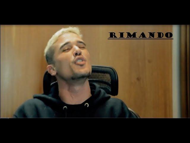 Mozart Mz rimando enquanto dar entrevista no Rap Box