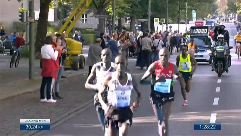 Berlin Marathon 2014 WORLD RECORD 02 02 57 by Dennis Kimetto
