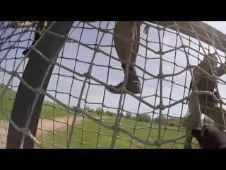Прохождение полосы препятствий бойцами морской пехоты