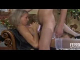 Сын трахает мать (анал ,жосткое порно,бдсм ,куни)