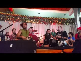 Omega Chant Final Maha-Mantra w. Krishna Das, Jai Uttal, Gaura Vani
