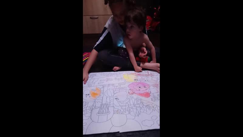 Паисий поправился и начал снова играть и рисовать Дуня и Пася рисуют