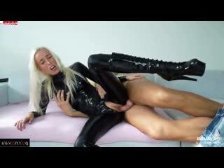 Laura paradise [ latex &  blondes &  skinny / beautiful lingerie , horsewoman , heels , crempai]