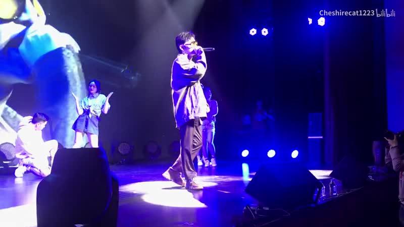 [Zhu Xingjie] Выступление Синцзе с '乱世巨星' и '仲夏夜' на фанмитинге Starlit J.zen 181026