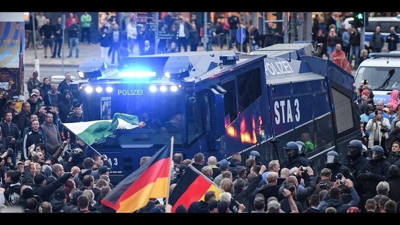 CHEMNITZ AfD Schweigemarsch vereinigt sich mit Pro Chemnitz Demo