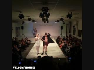 Триумфальное выступление Николая Должанского на модном показе Славы Зайцева