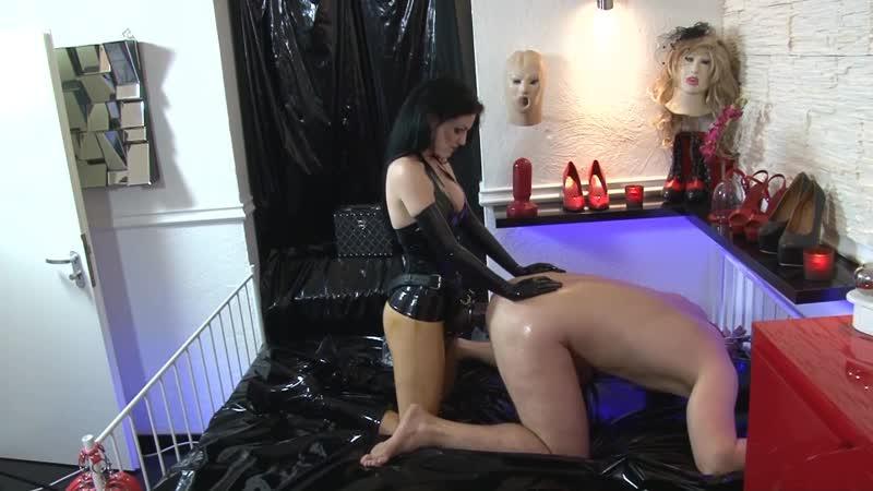Lady Blackdiamoond - Fuck The Slave [Femdom, Fisting, Anal Fucking, Pegging, Latex, Huge Dildo, Big Strapon]
